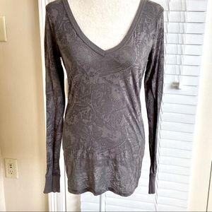 Buckle BKE X-Large Grey Damask Pullover Henley Top